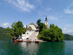 Lake Bled And Postojna Cave In 1 Day Tour From Ljubljana